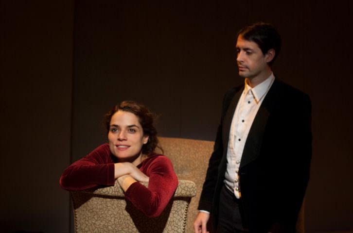 Anna Karenina, de Versus Teatre. Imagen cortesía de Sala Russafa.