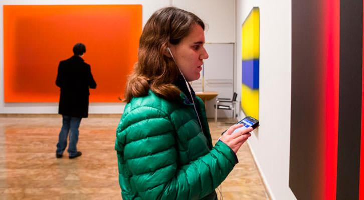 Cultura Accesible en la exposición 'José María Yturralde'. Imagen cortesía de La Nau.