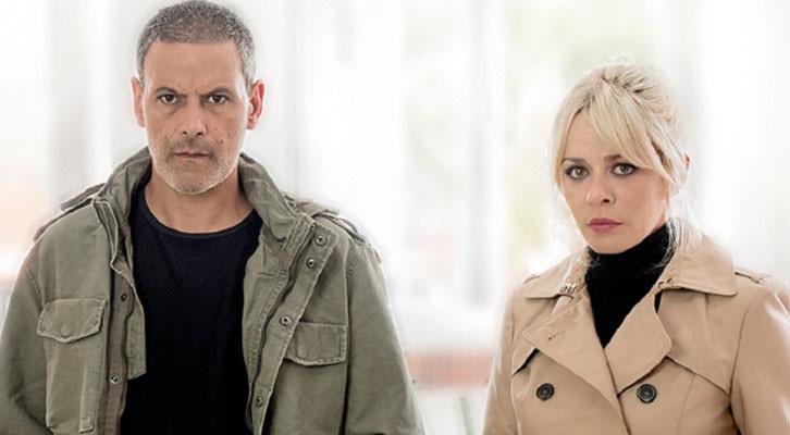Roberto Enríquez y María Adánez en 'El pequeño poni'. Imagen cortesía de Teatro Talía.