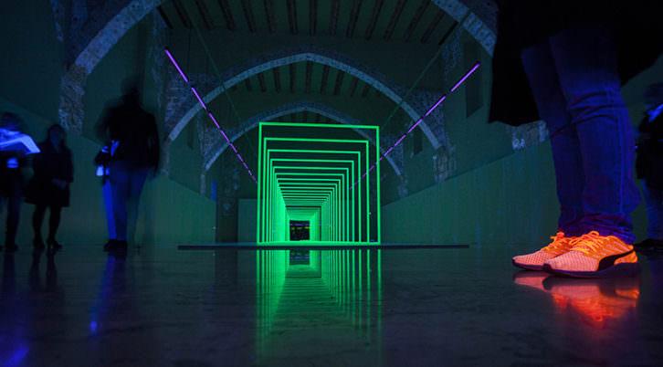 Instalación de Carolina Ferrer y Encarna Sepúlveda en 'Ángulos del vacío'. Imagen cortesía del Centre del Carme.