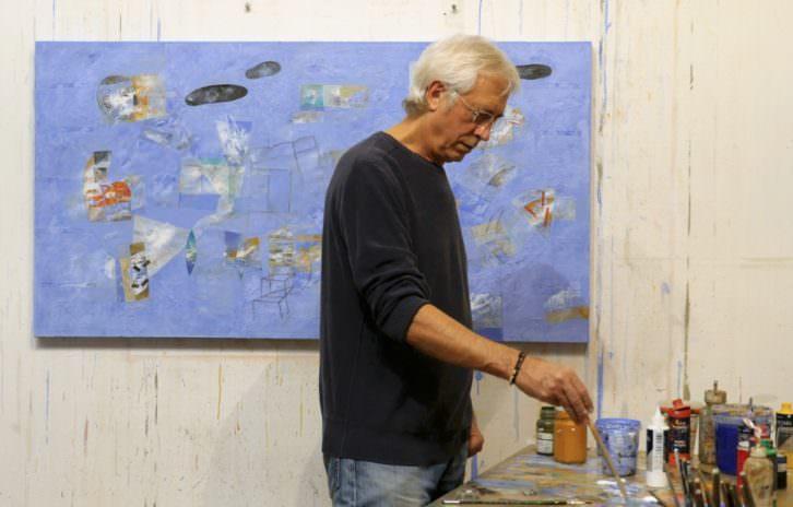 Horacio Silva, en pleno proceso creativo. Imagen cortesía de Shiras Galería.