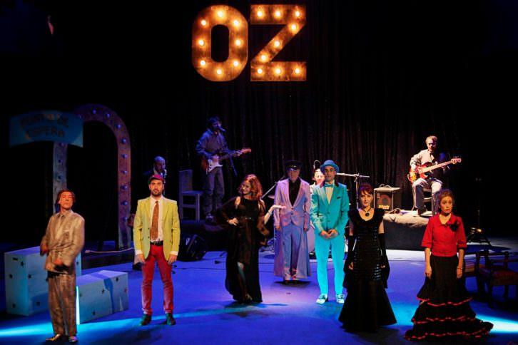 Buscando al Mago de Oz (¡Oh, EurOZpa!), de Chema Cardeña. Imagen cortesía de Sala Russafa.