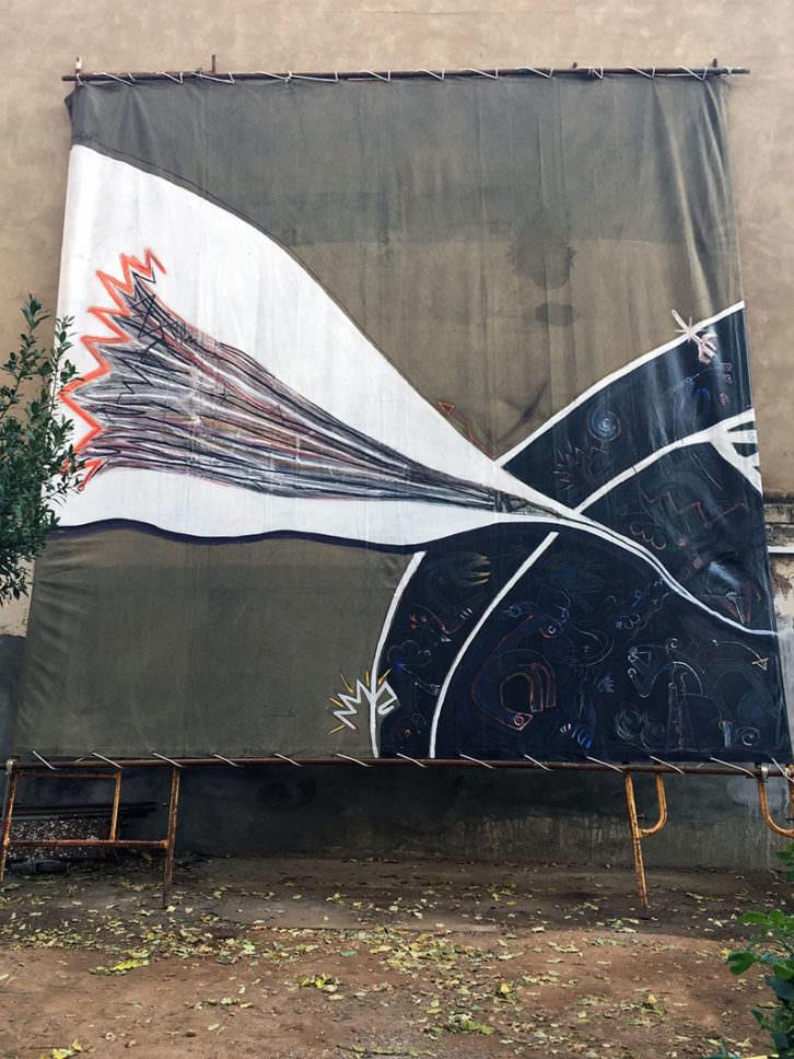 Obra de Claudio Zirotti en el exterior de la Galería Acuda de Godella. Imagen cortesía del autor.