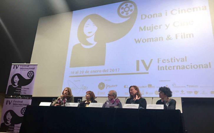 Acto de presentación del Festival Internacional Dones i Cinema. Imagen cortesía del IVAC La Filmoteca.