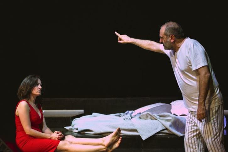 Escena de 'Ella en mi cabeza'. Imagen cortesía de Teatro Talía.