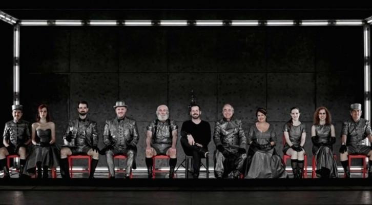 Imagen del elenco actoral de 'Eloísa está debajo de un almendro', de Jardiel Poncela. Fotografía cortesía de la productora.
