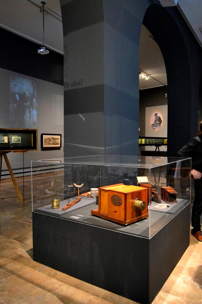 Vista de la exposición sobre el daguerrotipo. Imagen cortesía de La Nau.