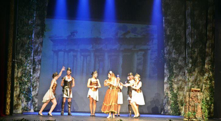 Escena de Gisela y el libro mágico, en el Teatro Olympia. Fotografía: Malva.