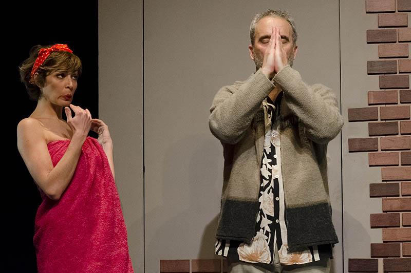 Vanessa Cano y Diego Braguinsky en 'Trio'. Imagen cortesía de Teatre Rialto.