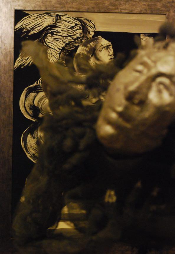 Fotografía de una de las piezas que conforman la exposición 'También los ángeles tienen alas'. Fotografía cortesía de la artista.