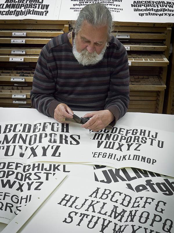 El tipógrafo Emilio Sdun. Imagen cortesía de la UPV.