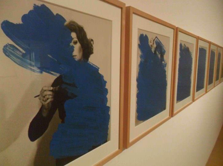 Imagen de la exposición 'Helena Almeida. Corpus' del IVAM.