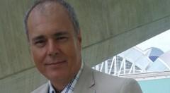 Ernest González.