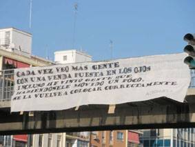 Pancarta en la Avenida del Cid de Valencia. Imagen cortesía de Voces del Extremo.