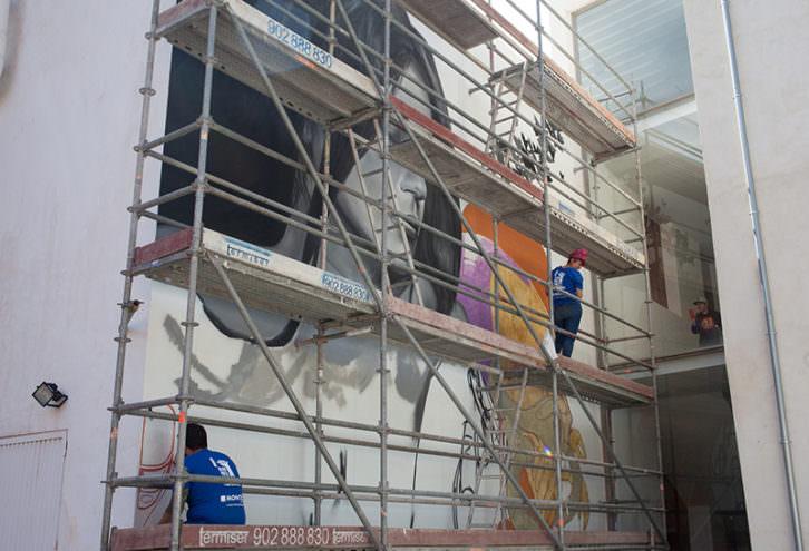 Intervención mural de Wall Arttitude. Imagen cortesía del Centre del Carme.