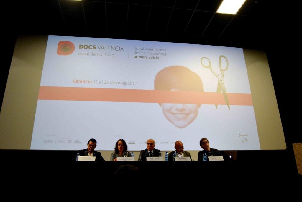 Un instante de la presentación a los medios de 'DocsValència' (de izquierda a derecha: Pau Montagud, Gloria Tello, Albert Girona, Xavier Rius y Nacho Navarro). Fotografía: Jose Ramón Alarcón.
