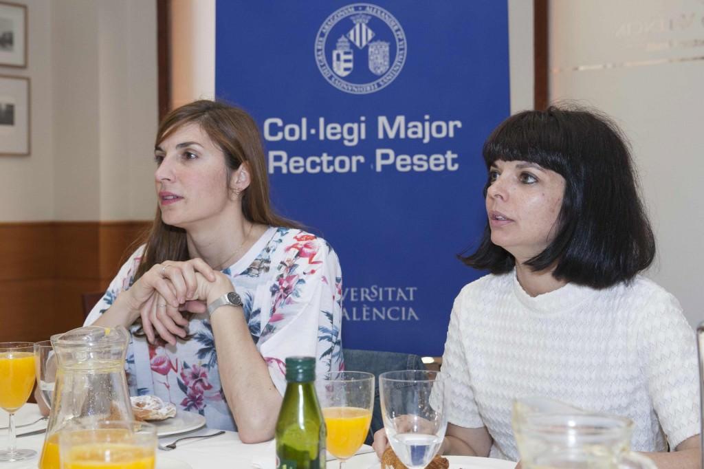 Meritxell Barberá e Inma García durante un instante de los Desayunos Makma, con motivo del Festival 10 Sentidos. Fotografía: Fernando Ruiz.