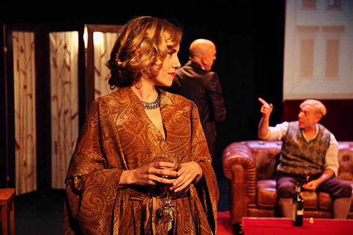 Escena de 'Shakespeare en Berlín', de Chema Cardeña. Imagen cortesía de Sala Russafa.