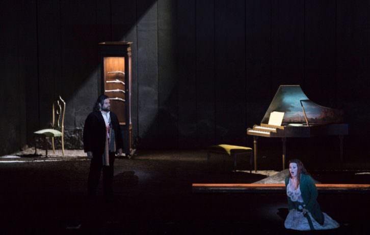 Escena de Werther. Fotografía de Miguel Lorenzo y Mikel Ponce por cortesía de Les Arts.