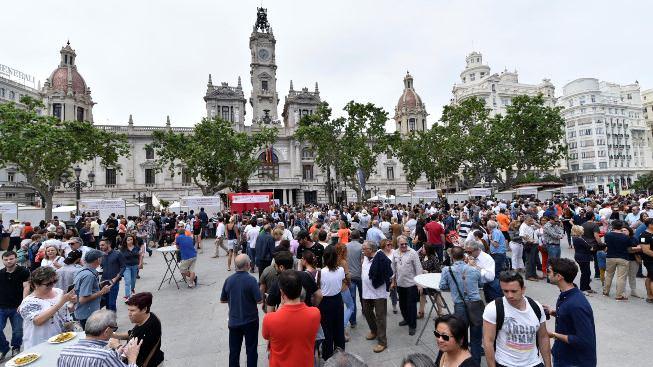 Tastarròs. Plaza del ayuntamiento. 21 de mayo de 2017. fotografía de Rubén Salcedo.