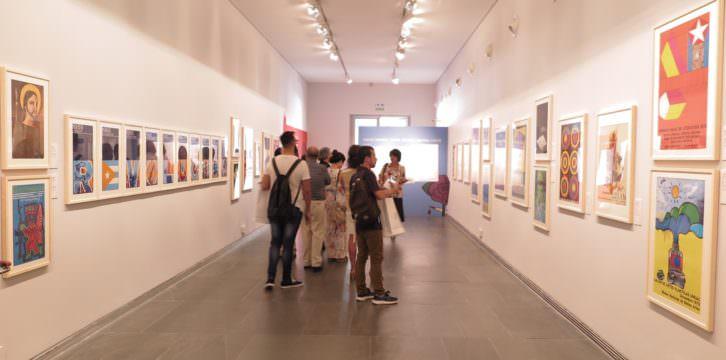 Vista de la exposición sobre el cartel cubano. Imagen cortesía del MuVIM.