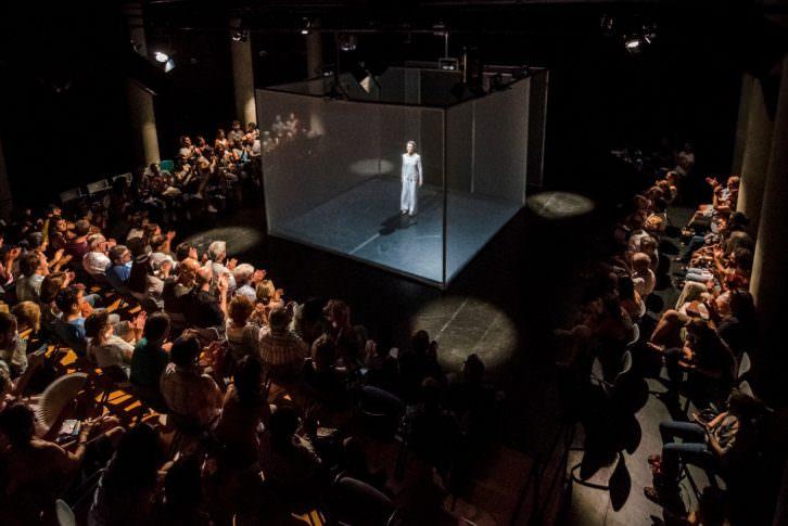 Vista del espectáculo 'Hakanai'. Imagen cortesía de Tercera Setmana.