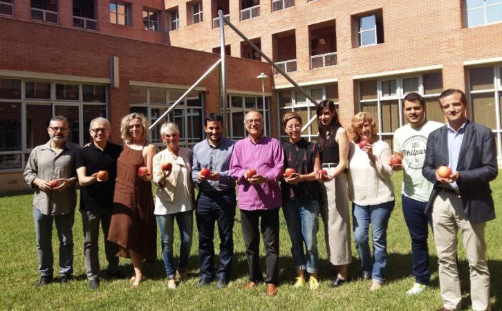 Representantes institucionales junto a algunos de los valencianos nominados en la XX edición de los Premios Max.