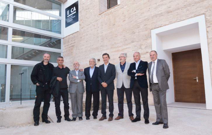 Responsables y miembros del consejo rector del Espai d'Art Contemporani El Castell. Imagen cortesía de E CA.