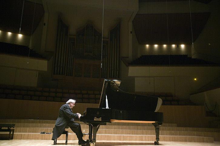 Sokolov en el Palau de la Música de Valencia. Fotografía de Eva Ripoll por cortesía del Palau.