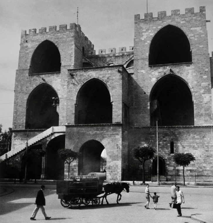 Torres de Serano, fotografiadas por Jean Dieuzaide