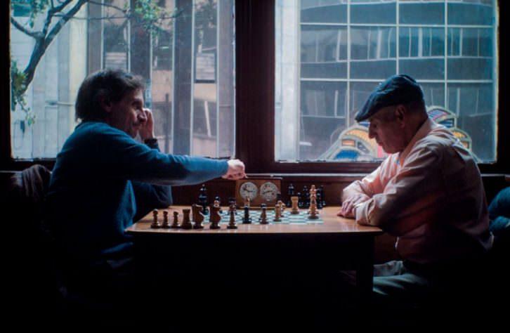 Fotograma de 'La defensa del dragón', de Natalia Santa. Imagen cortesia de Cinema Jove.