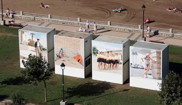 Instalación de Peter Granser en la playa de Ereaga en Algorta durante el GetxoPhoto de 2011.