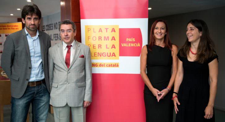 De izda a dcha, José Luis Moreno, Maria Josep Amigó. Fotografía: Raquel Abulaila por cortesía de la Diputación de Valencia.