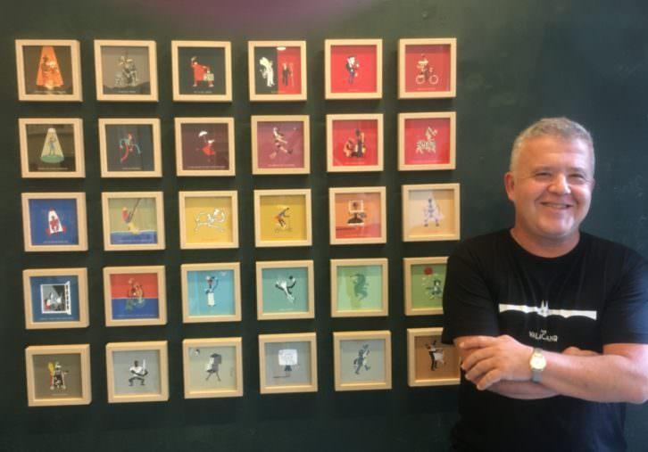 Carlos Ortin en su exposición de Estudio64. Imagen cortesía del autor.