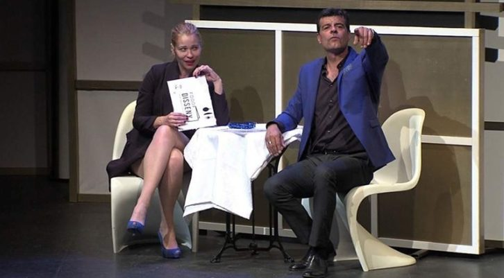 Escena de 'Qué importan diez años'. Imagen cortesía de Teatro Talía