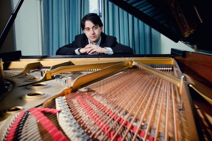 El pianista Luka Okros, ganador del XIX Premio Iturbi. Imagen cortesía de la Diputación de Valencia.