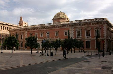 La Plaza del Patriarca, al exterior de La Nau, albergará varias carpas con talleres didácticos para público en familia. Actividades relacionadas con la producción editorial contemporánea. Imagen archivo MAKMA.