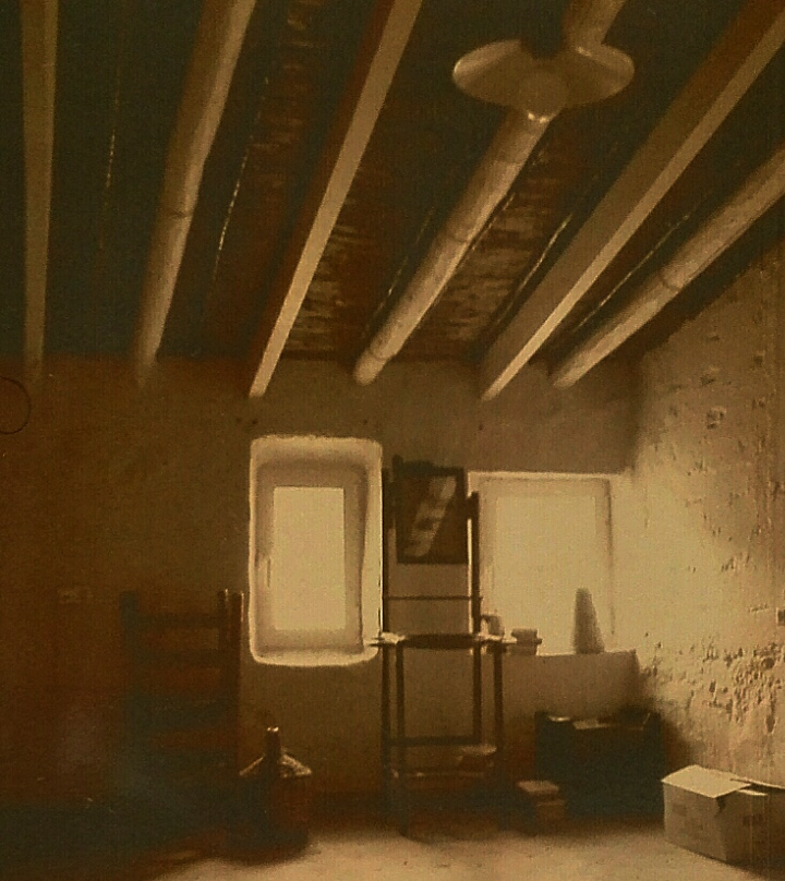 Imagen de la contraportada de 'La memoria de tu nombre', de Amadeo Laborda.