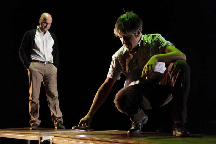 Escena de 'Distancia 7 minutos'. Imagen cortesía de Sala Russafa.