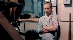 Fotograma de 'La chica de la fábrica de cerillas', de Aki Kaurismäki.
