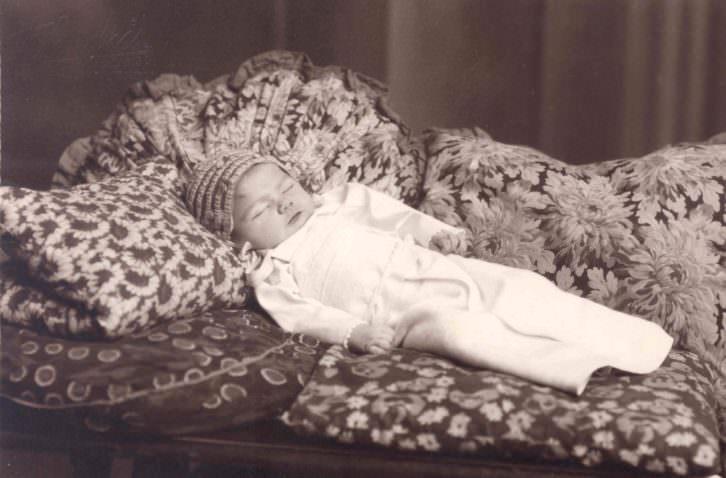 Sanchís (València)  [Retrato de niño  difunto] Victòria. s.d.. Archivo José Huguet