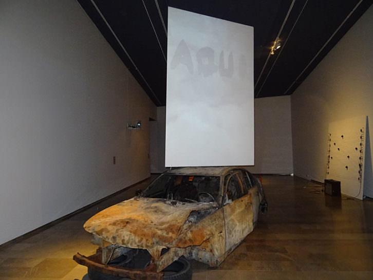 Instalación de Pablo Bellot. Imagen cortesía de Centre del Carme.