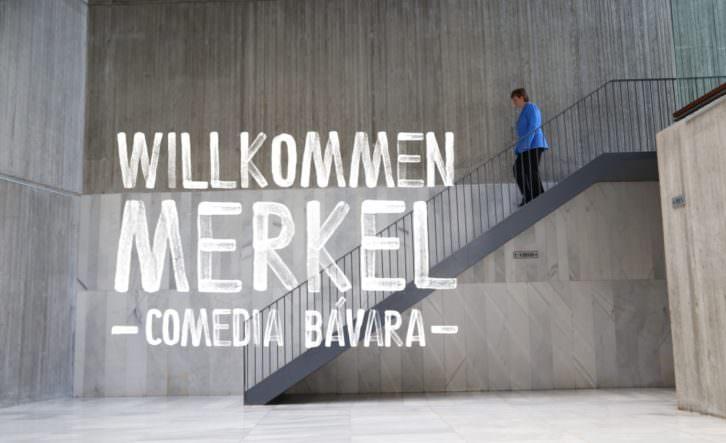 Willkommen Merkel. Imagen cortesía de Teatre El Musical.