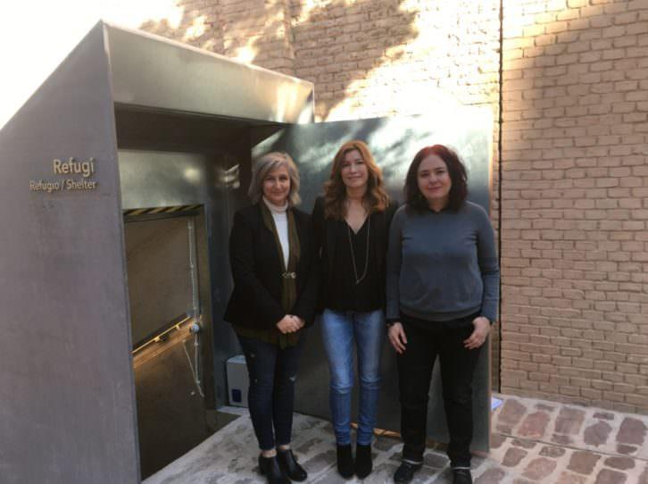 De izda a dcha, Paloma Berrocal, Susana Lloret y Sofía. Imagen cortesía de Bombas Gens.