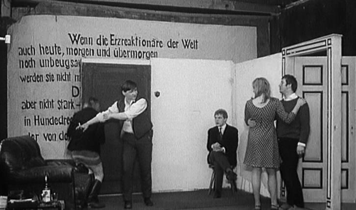 Fotograma de 'El novio, la actriz y el proxeneta', de Straub y Huillet.