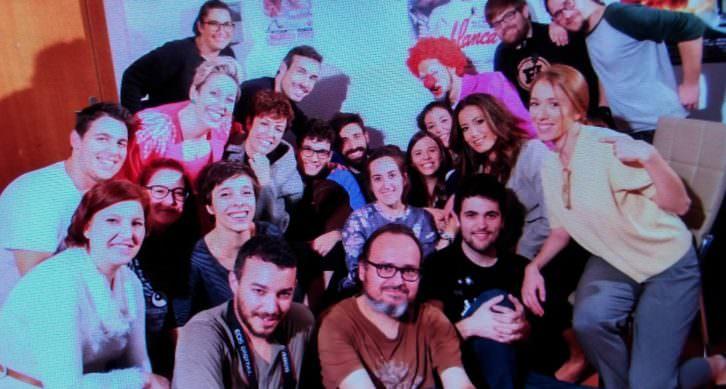 Equipo técnico y artístico de la webserie ¡Tócate!. Imagen cortesía de la organización.