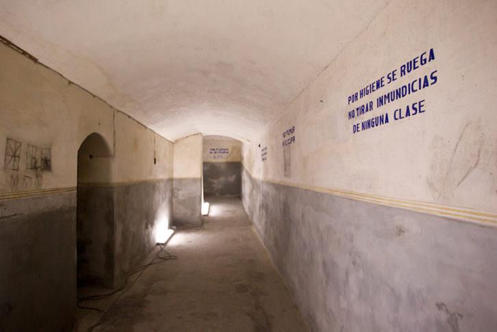 Refugio antiaéreo. Imagen cortesía de Bombas Gens.