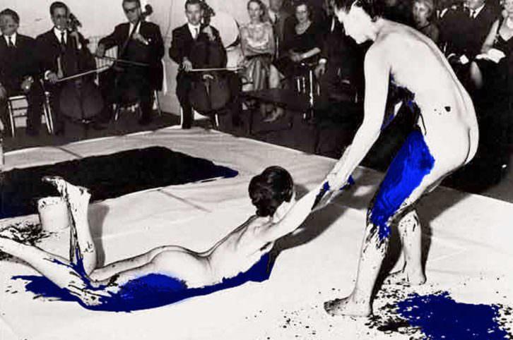 Acción de Yves Klein, homenajeado en el Festival Nits d'Aielo del Centre del Carme.