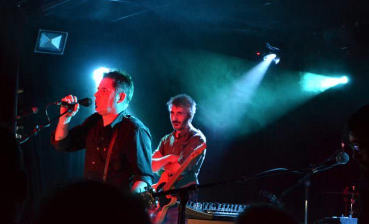 Lapido, en plena actuación en la Sala Loco Club. Fotografía: Lorena Riestra.