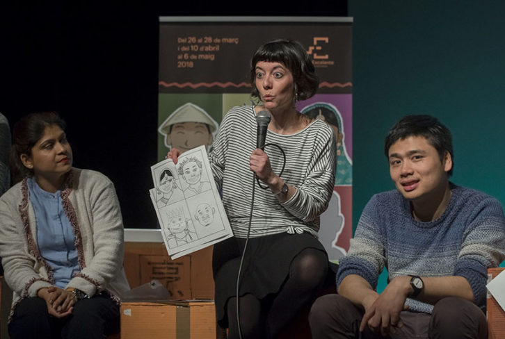Pau Pons durante la presentación de 'Les set diferències', de El Pont Flotant. Imagen cortesía de Teatre Escalante.